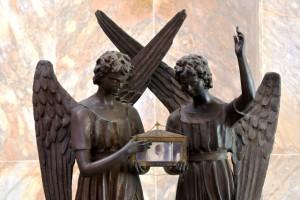 angeli con reliquia di S Dom Savio