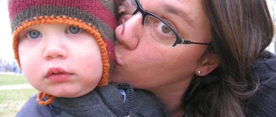 1mom kisses april